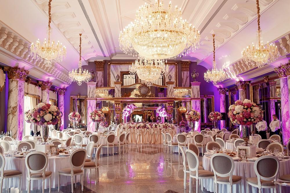 düğün salonu temizliği gelen misafirlerinizi temiz bir şekilde karşılayın